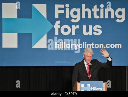 Philadelphia, Pennsylvania, USA. 7. April 2016. Bill Clinton setzt sich für Hillary Clinton. - Stockfoto