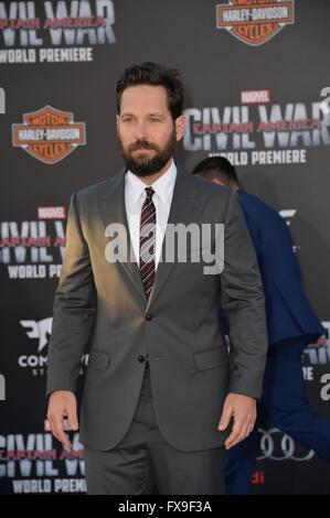 """Los Angeles, USA. 12. April 2016. Schauspieler Paul Rudd bei der Weltpremiere von """"Captain America: Bürgerkrieg"""" - Stockfoto"""
