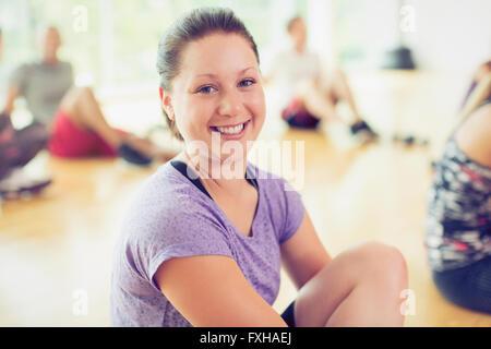 Lächelnde Frau Porträt in Übung - Stockfoto
