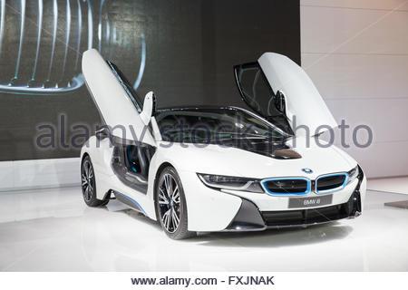BANGKOK - März 22: Image Zoom des BMW i8 Autos auf dem Display an der 37 th Thailand Bangkok International Motor - Stockfoto