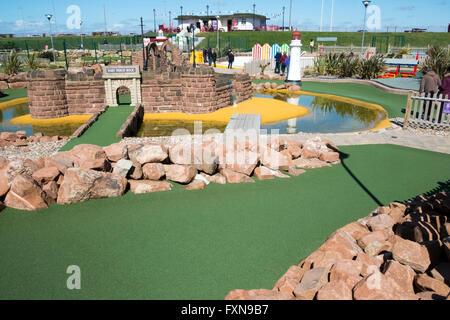 Meer Mini-golf, verrückt, Spielen, dumm, verrückt, Putter, Aktion, Erholung, Sommer, Minigolf, Sport, Ball, Freizeitaktivitäten, - Stockfoto