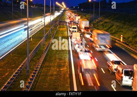 Kontrolliertzugang Autobahn in Poznan, Polen - Stockfoto
