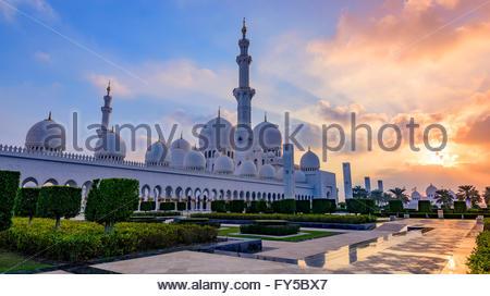 Ein Wahrzeichen von Abu Dhabi, die Sheikh-Zayed-Moschee war die Vision von Sheikh Zayed bin Sultan al Nahyan, - Stockfoto