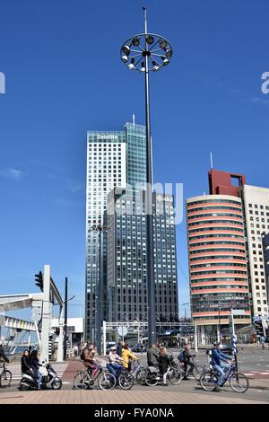 Deloitte und der AKD (Wilhelminakade) Maas World Port Center (Kop van Zuid) Rotterdam Niederlande Niederlande (Erasmus - Stockfoto