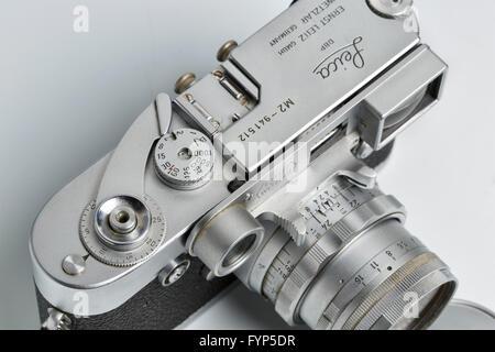 Leica Entfernungsmesser Fokos : Leica m2 messsucherkamera von 1958 mit einem objektiv leitz