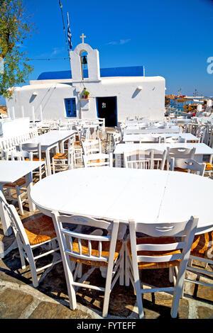 Tisch im Restaurant Santorini Europa Sommer - Stockfoto
