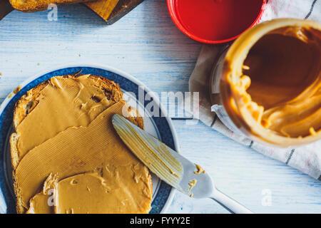 Erdnussbutter-Sandwiches oder Toast - Stockfoto