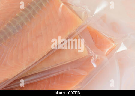 fischfilets auf der verpackung in lebensmittel fabrik stockfoto bild 53703304 alamy. Black Bedroom Furniture Sets. Home Design Ideas