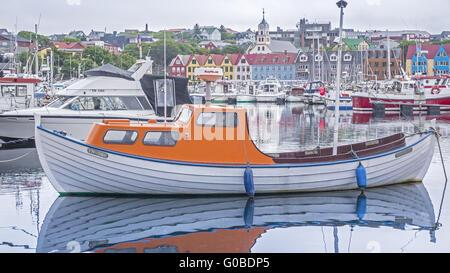Fischerboote im Hafen Torshavn Faroe Insel - Stockfoto