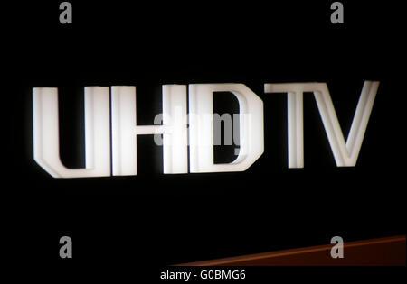 "Das Logo der Marke ""UHDtv"", Berlin. - Stockfoto"