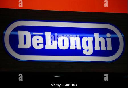 "Das Logo der Marke ""DeLonghi"", Berlin. - Stockfoto"