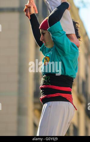 Die Castellers bauen menschlichen Türme in Barcelona Katalonien Spanien, eine unverwechselbare regionale tradition - Stockfoto