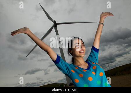 ethnische Vielfalt im Windpark - Stockfoto