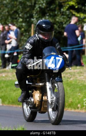Chorley, Lancashire, UK. 8. Mai 2016. 47, Peter Kelly, AJS 7R, 1961, 350cc, bei der spektakulären Motorrad-Sprint - Stockfoto