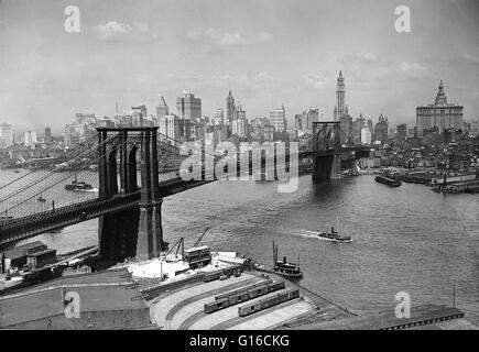 Die Brooklyn Bridge ist eine der ältesten Hängebrücken in den Vereinigten Staaten. 1883 fertiggestellt, verbindet - Stockfoto