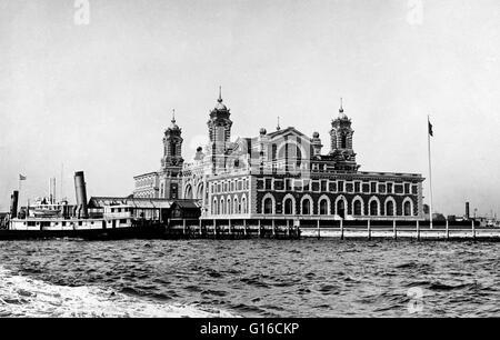In den 35 Jahren vor Ellis Island eröffnet hatte mehr als 8 Millionen Einwanderern in New York nur über die Bucht - Stockfoto