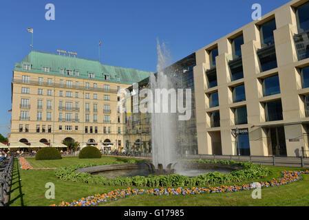 Akademie der Kuenste, Pariser Platz, Mitte, Berlin, Hotel Adlon, Deutschland / Akademie der Künste - Stockfoto
