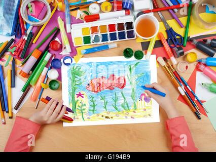 kind zeichnen fische unter wasser und den meeresboden top. Black Bedroom Furniture Sets. Home Design Ideas
