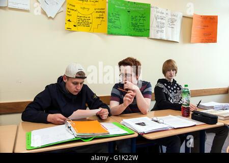 Schulklasse im Klassenzimmer - Stockfoto