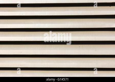 Splitter aus Aluminium Metallplatte Textur und Hintergrund - Stockfoto