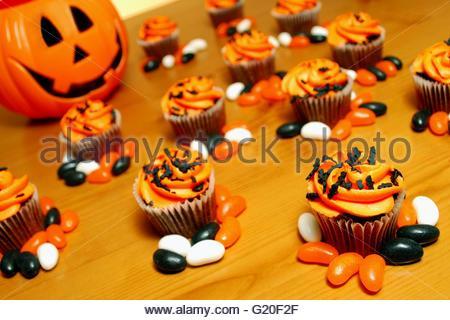 Halloween inspirierte Cupcakes. - Stockfoto