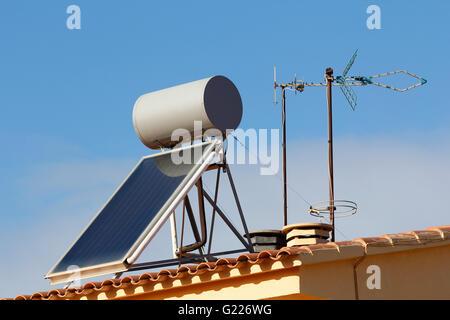 solarheizung panel in dach rinne sichtbarkeit zu. Black Bedroom Furniture Sets. Home Design Ideas
