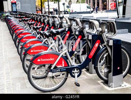 Boris Fahrradverleih In eine Docking-Station, London, England. - Stockfoto