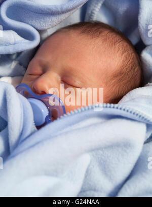 Nahaufnahme von baby boy schlafen Model Release: Ja. Property Release: Nein. - Stockfoto