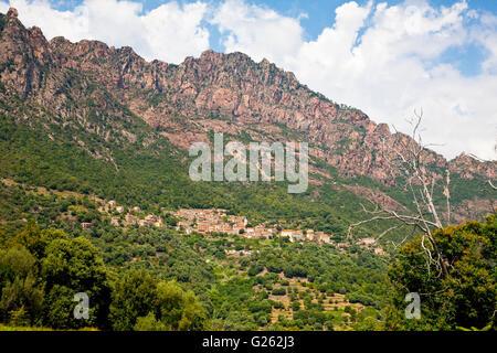 Stadt von Ota, Korsika, Frankreich - Stockfoto