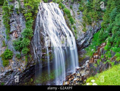 Schöne Narada Wasserfälle in Mt Rainier, WA, USA - Stockfoto