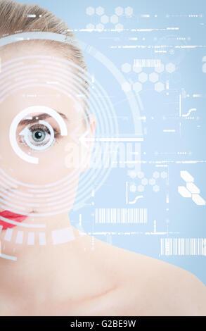 Nahaufnahme von Frau Auge mit futuristischem Design als digitale oder virtuelle Scan Konzept - Stockfoto
