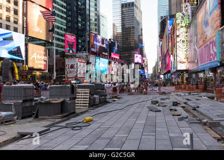 Reparatur der Straße am Times Square in New York City - Stockfoto