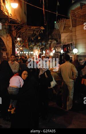 Damaskus - rund um Pilger nachts Sayyida Ruqayya schiitischen Moschee - Stockfoto