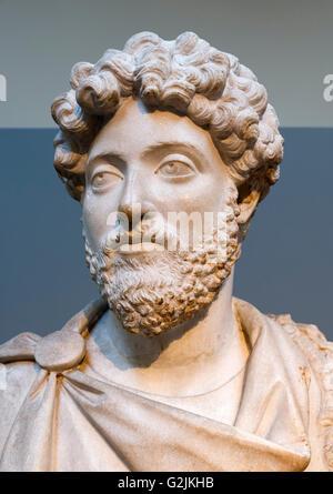 Marmorbüste des Kaisers Marcus Aurelius (121-180 n. Chr.), gemeinsame 16. Kaiser des römischen Reiches (161-180 - Stockfoto