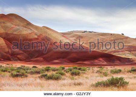 Die Painted Hills, Teil der John Day Fossil Betten Nationaldenkmal, Oregon, USA - Stockfoto