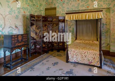 Der Balkon Schlafzimmer (die chinesische Schlafzimmer) mit einer modernen Reproduktion der handgemalte chinesische - Stockfoto
