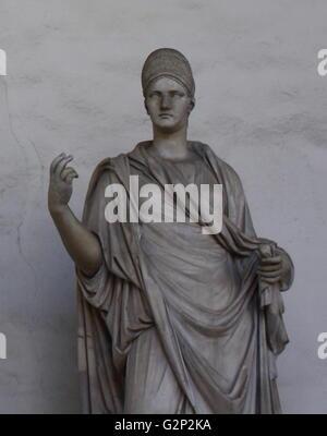 Eine von fünf Marmor weiblichen Statuen auf der Rückseite der Loggia della Signoria, Florenz, Italien. Dieser ist - Stockfoto