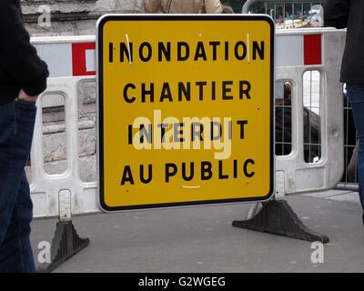 Paris, Frankreich. 3. Juni 2016. Pont Alexandre III, Hochwasser des Flusses Seine 3. Juni 2016, Paris, Frankreich - Stockfoto