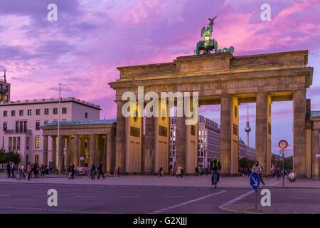 Das Brandenburger Tor, Berlin bei Sonnenuntergang, Berlin, Deutschland - Stockfoto
