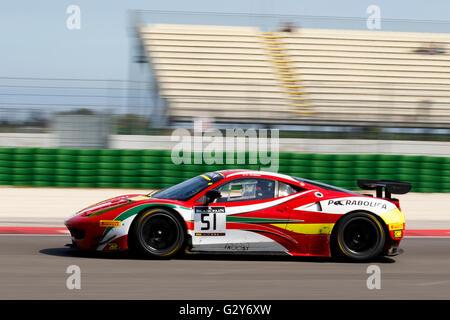 Misano Adriatico, Italien - 10. April 2016: Ferrari 458 Italia GTE von AF Corse Team, angetrieben von Christoph - Stockfoto