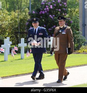 Kaplan Joshua Payne 501. Combat Support Wing USAF (links) und Pfarrer I R Colson Senior Chaplain ATC Pirbright UK - Stockfoto