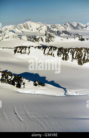 Ein Luftbild von der Chugach National Forest in Alaska usa. Der Chugach National Forest ist ein 6,908,540-acre 27,958 - Stockfoto