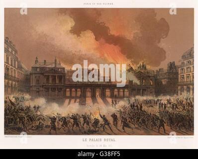 Die Verbrennung des Palais Royal, Paris, schwer beschädigt durch die Kommunarden Datum: 24. Mai 1871 - Stockfoto