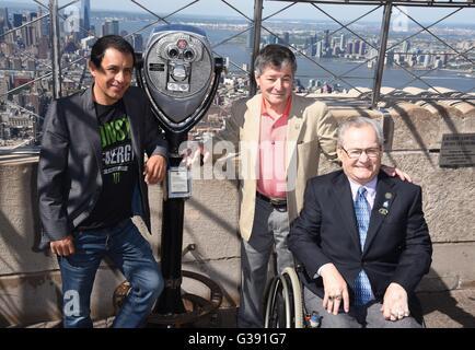 New York, NY, USA. 10. Juni 2016. Victor Espinoza (American Pharao, 2015), Jean Cruguet (Seattle Slew, 1977), Ron - Stockfoto