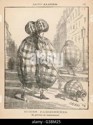 Die Preußen sind Paris Beschuss, aber die Couturists steigen mit dieser geschmackvollen Schutzkleidung mit passenden - Stockfoto