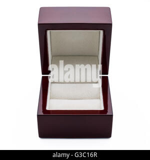 Elegante Box für den Ring aus Holz gebaut. - Stockfoto