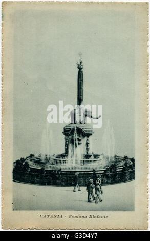 Italien - Catania, Sizilien - Elefantenbrunnen (1735-1736) durch Giovanni Battista Vaccarini (1702-1768) - vor der - Stockfoto