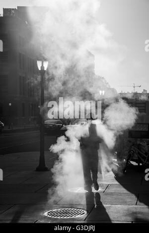 Fußgängerzone zu Fuß über Dampfventil, Stadt Street Philadelphia USA - Stockfoto