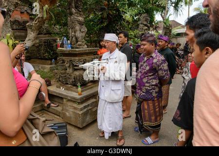 Feuerbestattung-Zeremonie für balinesische königlicher Prinz Cokorda Putra Widura, Ubud, Bali, Sonntag, 8. Mai 2016. - Stockfoto
