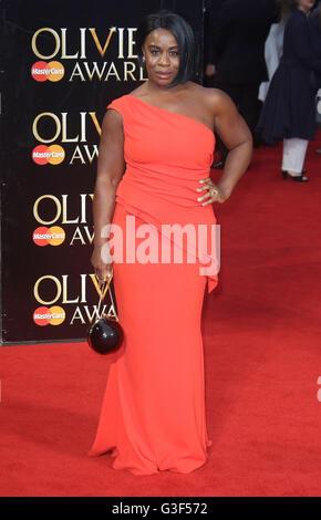 3. April 2016 - Uzo Aduba Teilnahme an The Olivier Awards 2016 am Royal Opera House Covent Garden in London, Vereinigtes - Stockfoto